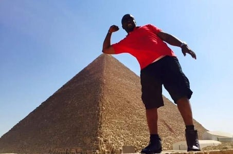 Private Day Tour to Giza Pyramids, Egyptian Museum, Alabaster Mosque, and Hanging Church in Cairo