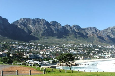 Private Day Tour: Diamond, Tanzanite, Gold and Jewel Tour from Cape Town