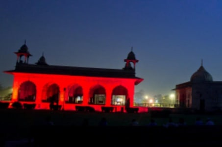 Red Fort Sound and Light Show in Delhi with Dinner and Private Transfer