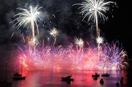 New Year's Eve Sailing Tour in Luxury Catamaran with Food and Drinks