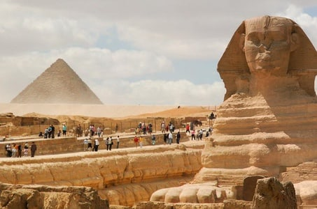 Private Day Tour to Giza Pyramids and the Egyptian Museum from Alexandria