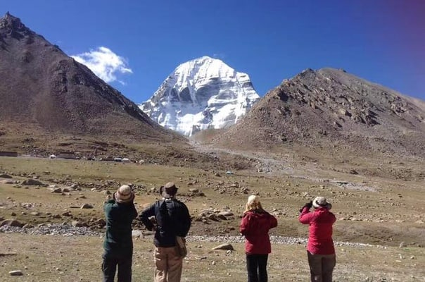 Private Kailash Everest Base Camp Tour by Local