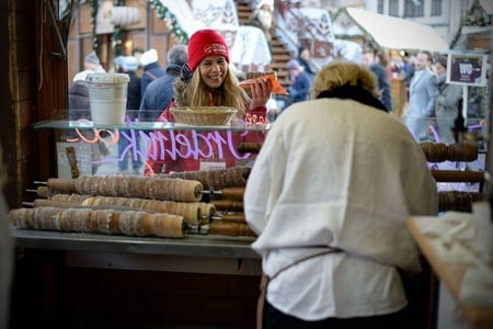 Prague's Merry Markets Christmas Tour with Local Guide