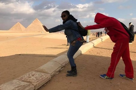 Giza pyramids and Egyptian museum day private tour