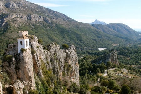 From Alicante: Guadalest Valley and Algar Waterfalls