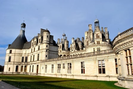 From Paris: Four Main Castles of Loire with Transportation