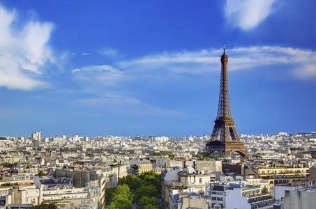 Lunch at the Eiffel Tower with Sightseeing Tour and a visit up to 02nd Level