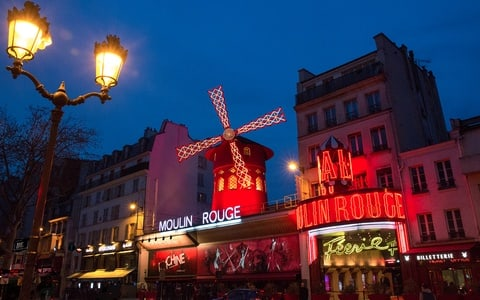 Moulin Rouge Late Night Show with Champagne