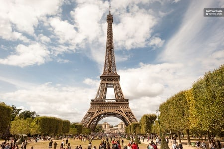Three-in-One: Eiffel Tower, Louvre and Seine Cruise Tickets