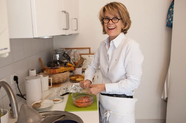 Traditional French Home Cuisine in Paris: Cooking Class and Lunch with a Local