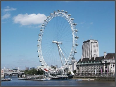 London: River Thames Cruise with Afternoon Tea