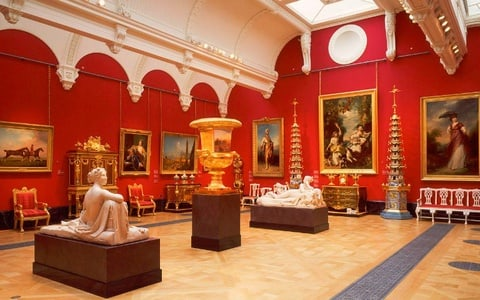 Queens Gallery Admission - Buckingham Palace