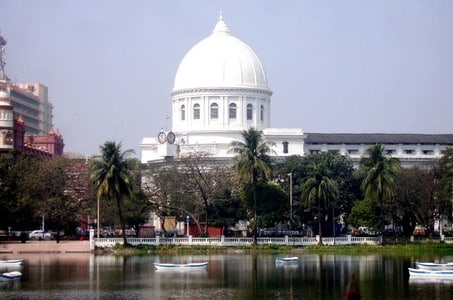 The Second City of Empire: A Kolkata Heritage Walking Tour with Private Transfer