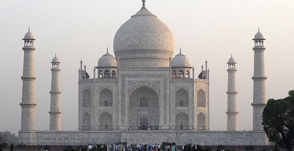 From New Delhi: Taj Mahal Tour w/ Entrance and Lunch