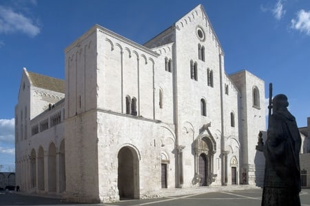 Guided tour of one day in Bari, Matera and Alberobello