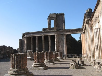 Naples and Pompeii Full-Day Sightseeing Tour