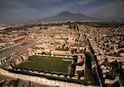 Pompeii & Vesuvius: Full-Day Sightseeing Tour from Naples