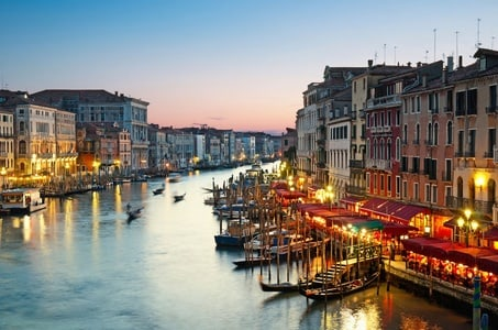 Wine and Food Tour Near Venice's Jewish Quarter