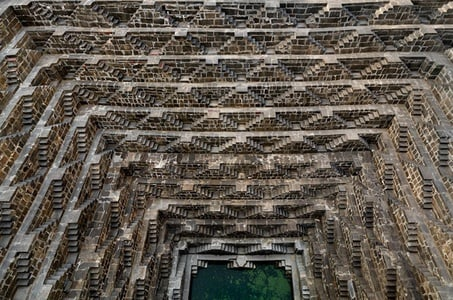 Private Day Trip to Chand Baori Stepwell Including Lunch at Fort Madhogarh