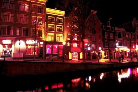 Amsterdam: Guided Tour Through the Barrio Rojo in Spanish