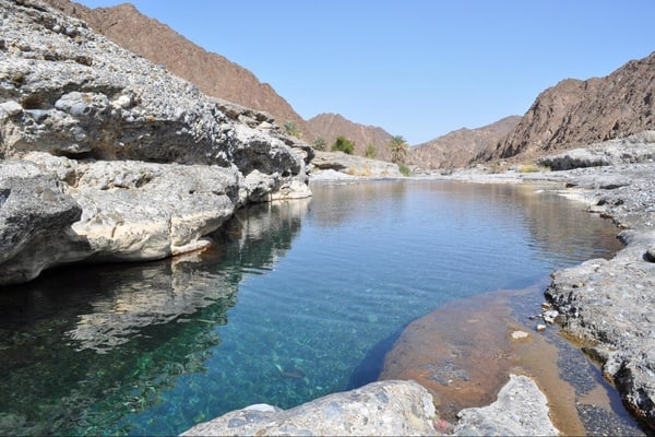 Private full-day Wadi Al Abyadh by 4x4 tour