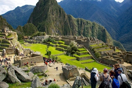 Machu Picchu: 2-Hour Small Group Guided Tour