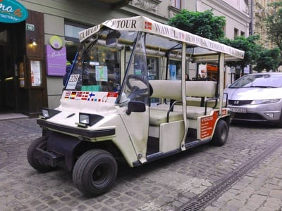 Krakow: Private Sightseeing Tour by Electric Car