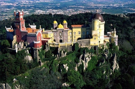 Sintra, Cascais and Estoril Private Day Tour from Lisbon