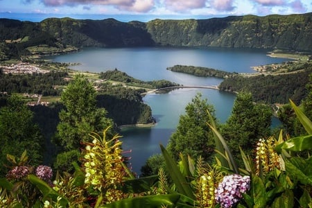 Azores: 2 Lakes in 1 Day