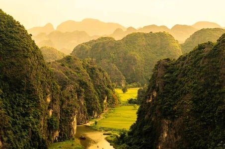 Small Group Tour from Hanoi to Hoa Lu - Tam Coc Ninh Binh 2 Days 1 Night