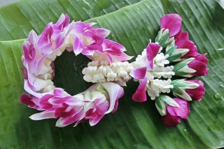 Private 3-Hour Thai Style Flower Handicraft Class in Chiang Mai Downtown