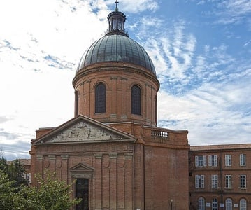 Toulouse: Private Walking Tour of the Left River Bank