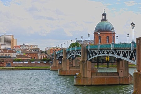 Toulouse: Private Welcome Tour w/ a Local