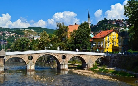3-Hour Walking Tour of Old Sarajevo & Museum Admission