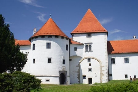 From Zagreb: Varazdin and Trakoscan Castle Day Trip