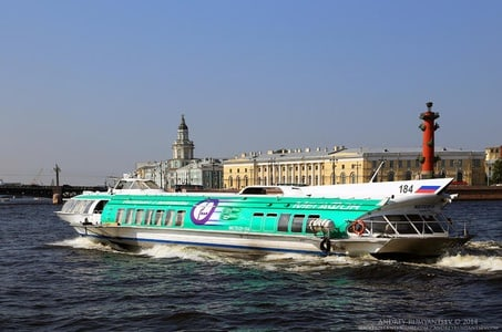Private Shore Day Trip: City Tour and Cruise to Peterhof Fountain Complex with Champagne and Traditional Russian lunch with Russian Classical Ballet