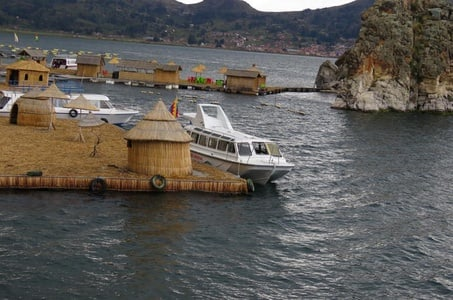 Private Full-Day Tour to Titicaca Lake and Copacabana Village from La Paz