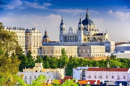 Viator Exclusive: Early Access to Royal Palace of Madrid