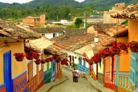 Day Trip to Guatapé from Medellín