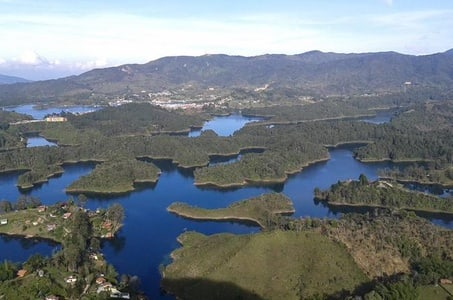 El Peñol and Guatape Private Tour from Medellin