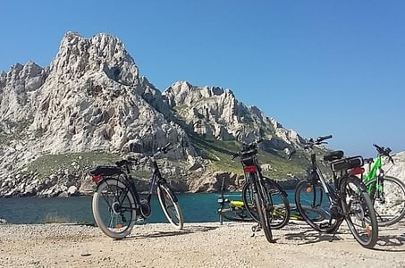 Calanques Trilogy Electric Bike Tour from Marseille