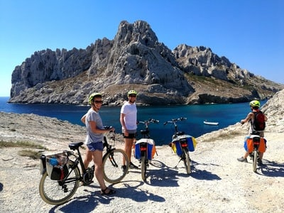 E-bike day tour Marseille to Calanques