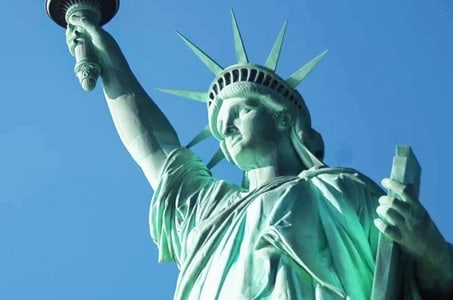Private Statue of Liberty and Ellis Island Tour - Includes Pedestal Access