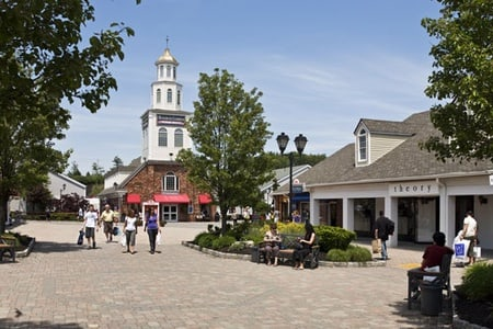 Woodbury Common Premium Outlets Shopping Tour by Gray Line CitySightseeing New York