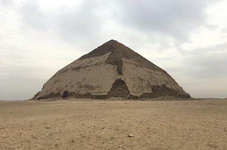 8 Hours Full day tour to Giza Pyramids, Sakkara & Dahshur with private guide