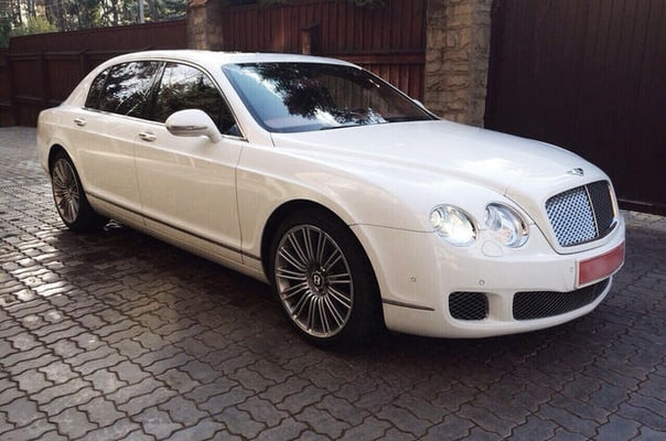Chauffeur Service In Paris - Bentley chauffeur