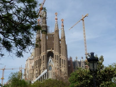 Sagrada Familia Fast Track Ticket with Optional Towers Access and Guided Tour