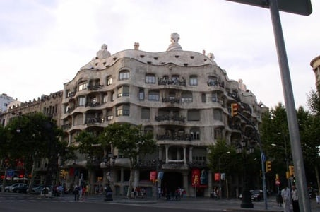 Small-Group Private Guided Tour of Barcelona and Montserrat