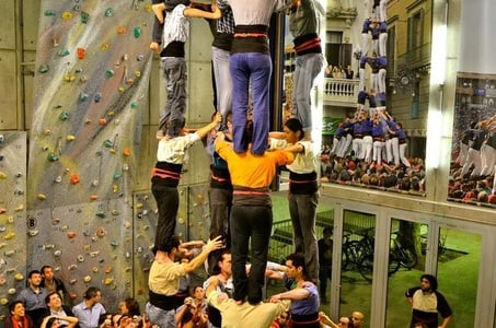 Human Tower Tour with Food and Wine Tasting in Barcelona