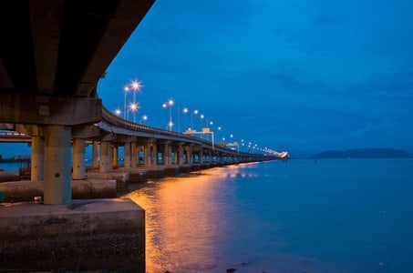 Penang Night Tour from Georgetown with Malacca Strait Ferry Ride